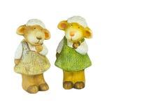 Familia de la muñeca de las ovejas en el blackground blanco Fotografía de archivo