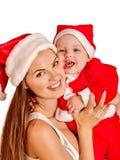 Familia de la Navidad debajo del árbol del día de fiesta Fotografía de archivo libre de regalías