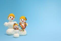 Familia de los muñecos de nieve de la Navidad Fotografía de archivo