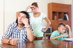 Familia de tres después de pelea Imagenes de archivo
