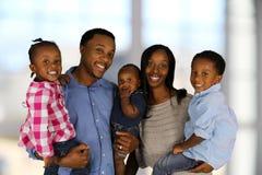 Familia del afroamericano Imagenes de archivo
