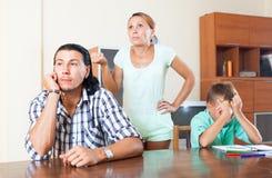 Familia después de la pelea Imagen de archivo