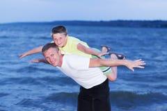 Familia en el mar Fotografía de archivo libre de regalías