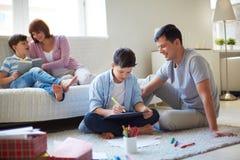 Familia en el ocio Imágenes de archivo libres de regalías