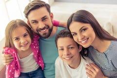 Familia en el país foto de archivo libre de regalías