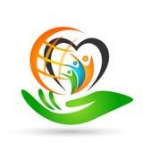 Familia en el parenting verde del amor de la unión del corazón del hogar del logotipo de la familia de los niños felices del padr ilustración del vector