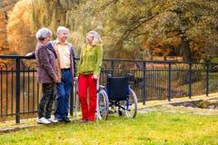 Familia en el parque Foto de archivo