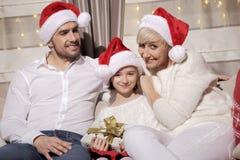 Familia en la Navidad Fotos de archivo