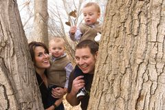Familia en naturaleza Imagen de archivo libre de regalías