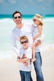 Familia en vacaciones del Caribe Foto de archivo libre de regalías