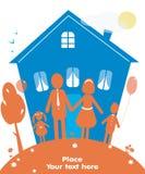 Familia feliz al aire libre Casa del sueño Imágenes de archivo libres de regalías