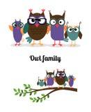 Familia feliz del búho Imágenes de archivo libres de regalías