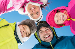 Familia feliz del invierno Fotos de archivo libres de regalías