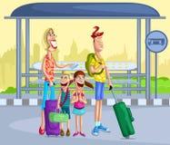 Familia feliz en la parada de autobús Foto de archivo libre de regalías