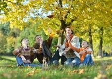Familia feliz hermosa Foto de archivo libre de regalías