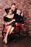 Familia feliz joven imagenes de archivo