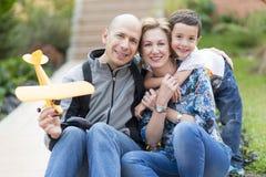 Familia feliz y afición Foto de archivo libre de regalías