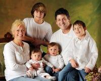 Familia grande con los hijos Foto de archivo libre de regalías