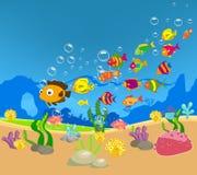 Familia grande de pescados en el mar libre illustration