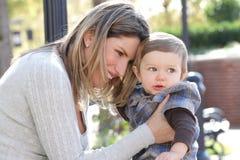 Familia: Hijo de la madre y del bebé Imágenes de archivo libres de regalías