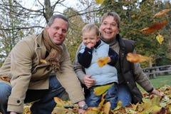 Familia joven feliz Imágenes de archivo libres de regalías