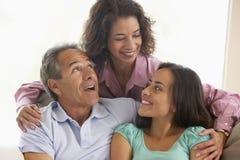 Familia junto en el país Imagen de archivo