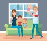 Familia linda feliz en los caracteres de la sala de estar Fotografía de archivo libre de regalías