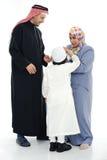 Familia musulmán feliz fotos de archivo