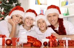 Familia que celebra Año Nuevo Imagen de archivo libre de regalías