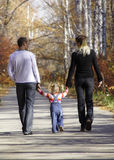 Familia que recorre Foto de archivo