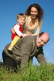 Familia que se divierte Imagen de archivo libre de regalías