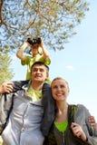 Familia que viaja Imagenes de archivo