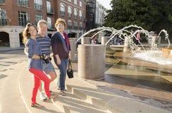 Familia turística en el SC de Charleston Fotografía de archivo