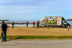 Familias en Playa América - Nigran - Galicia imagen de archivo libre de regalías