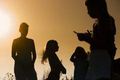 Familie als silhouet Stock Afbeeldingen
