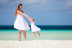 Familie auf Ferien Lizenzfreie Stockfotos