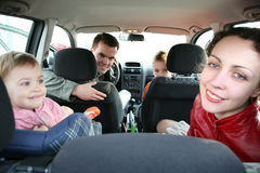 Familie in auto Stock Afbeelding