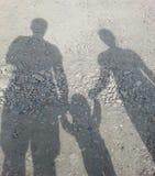 Familie bij het Strand Royalty-vrije Stock Fotografie