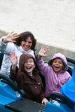 Familie bij themapark Royalty-vrije Stock Foto