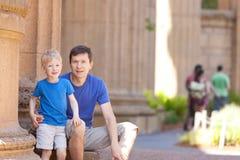 Familie bij vakantie Royalty-vrije Stock Afbeeldingen