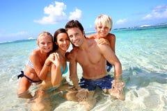 Familie in de zomervakantie Stock Afbeeldingen