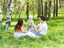Familie an der Natur Stockfotografie