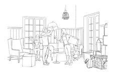 Familie, die in einer neuen Wohnung auspackt Stockfoto