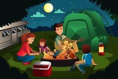 Familie die in het bos kamperen royalty-vrije illustratie