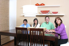 Familie, die Mealtime genießt Stockbilder