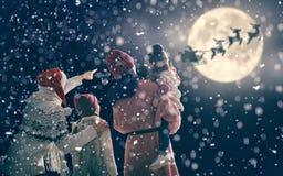 Familie, die Weihnachten genießt Stockfoto