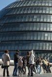 Familie en glaskoepel in Londen Stock Foto