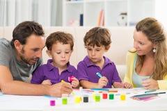 Familie het schilderen royalty-vrije stock foto's