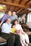 Familie het verzamelen zich Stock Afbeeldingen