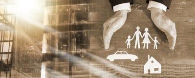 Familie, huis en autoverzekeringsconcept; veelvoudige blootstelling royalty-vrije stock afbeelding